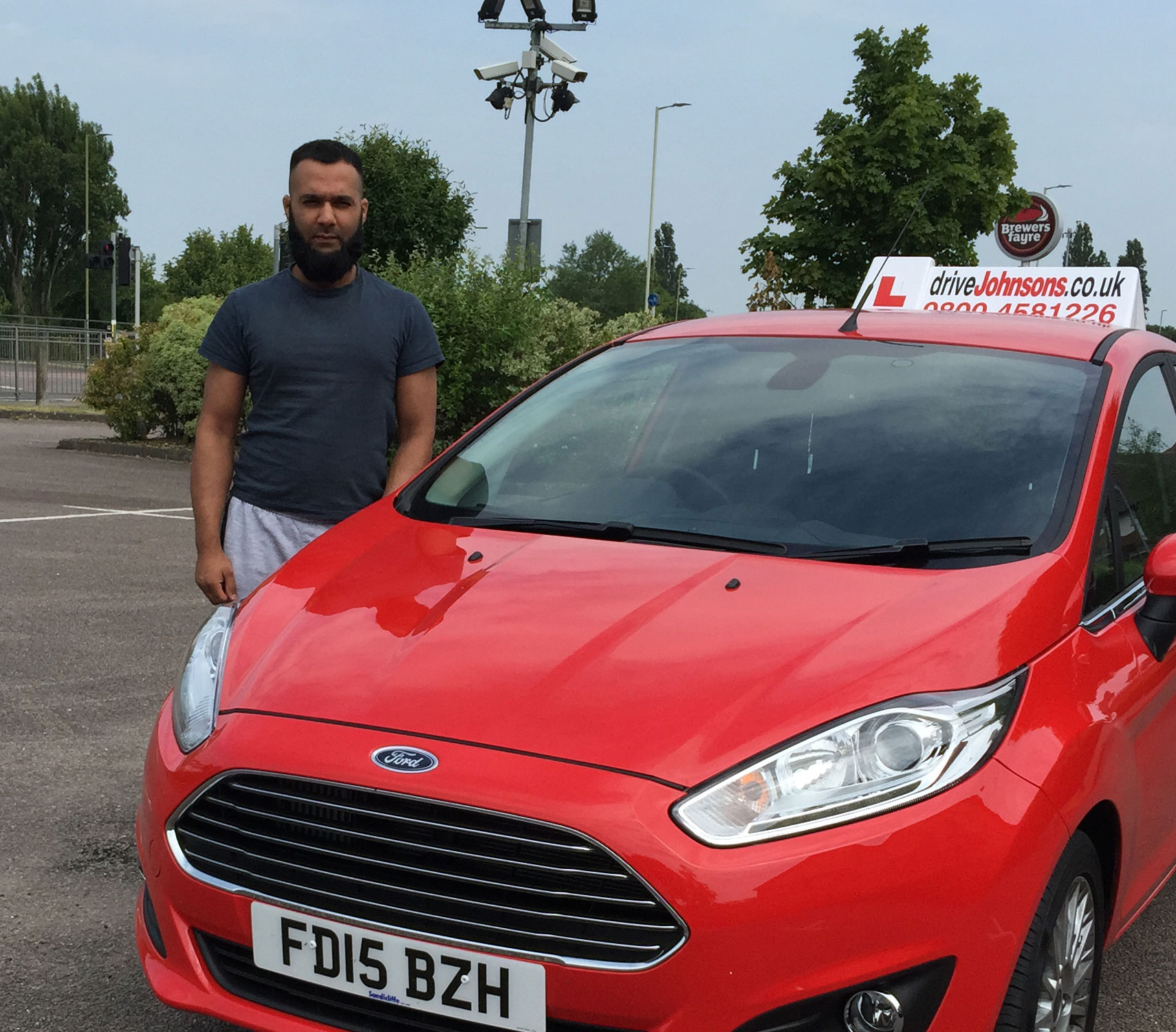 anees driving instructor in Luton and car